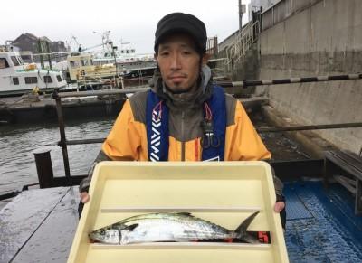 <p>土橋様 沖の北 ショアジギ/メタルジグ サゴシ50cmオーバー</p> <p>良型のサゴシが釣れましたよ。6時頃にHitされております。釣果写真へのご協力、ありがとうございます。</p>