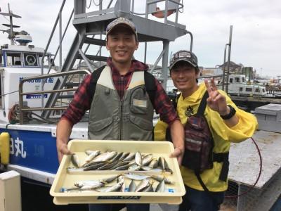 <p>藤原様 沖の北 サビキ釣り 小アジ大漁</p> <p>依然サビキ釣りは安定していますね♪ 釣果写真へのご協力、ありがとうございます。</p>
