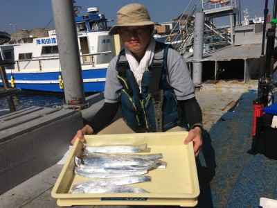 <p>山地様 沖の北 テンヤ/キビナゴ タチウオ8本</p> <p>キビナゴの反応が良かったとの事です。釣果写真へのご協力、ありがとうございます。</p>