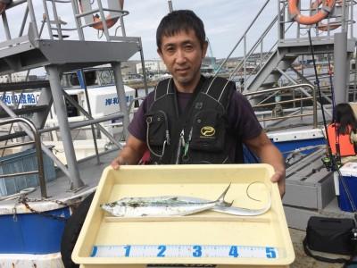 <p>佐伯様 沖の北 ショアジギ/メタルジグ・ワインド サゴシ・タチウオ</p> <p>ルアーを使い分けし、獲物をGETされています。釣果写真へのご協力、ありがとうございます。</p>