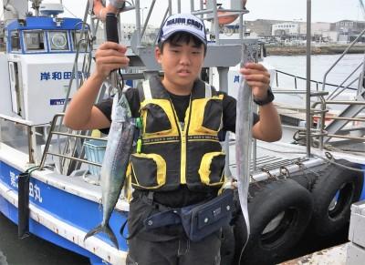 <p>沖の北 ショアジギ サゴシ・タチウオ</p> <p>50cmオーバーのサゴシをGET! また遊びに来てくださいね♪</p>