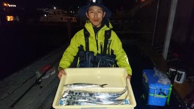 <p>柏木様 沖の北 ショアジギ サゴシ/タチウオ</p> <p>生憎の天気でしたが、釣果はありますね(^^♪おめでとうございます</p>