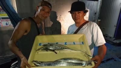 <p>イヨマツウラ様 沖の南 ワインド タチウオ多数GET</p> <p>南でも釣れていますね(^^♪おめでとうございます</p>