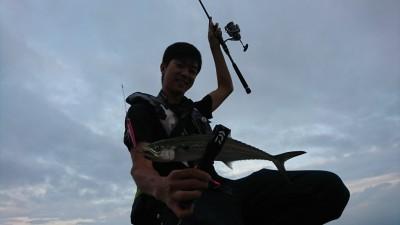<p>沖の北 今朝もいい感じに釣れていました。昨日よりサゴシがちょっと多かったです。サイズもよくなってきました。</p>