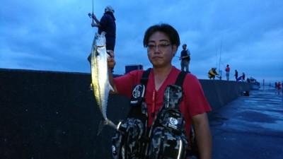 <p>リアルタイム 沖の北 ショアジギでサゴシ!</p>