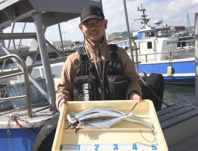 <p>氏川様 旧一文字(赤灯)ショアジギ/メタルジグ サゴシ・タチウオ4匹</p> <p>全てメタルジグで釣られております。他にサビキ釣りでアジ・サバ大漁でした。</p>