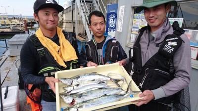<p>N様 沖の北 ショアジギ タチウオ/サゴシGET</p> <p>良型のサゴシが釣れていますね(^^♪おめでとうございます!</p>