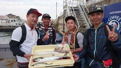 <p>鳳様 沖の北 ショアジギ サゴシ/タチウオ/中アジ/タコGET</p> <p>サゴシの平均サイズが上がってきましたね(^^♪おめでとうございます</p>