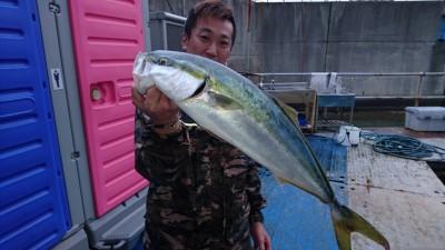 <p>大北様 沖の北 のませ釣り メジロGET</p> <p>ナイスバス持ちです(^^♪おめでとうございます!</p>