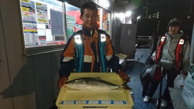 <p>松下様 沖の北 のませ釣り ハマチGET</p> <p>今日は青物出てますね(^^♪おめでとうございます!</p>