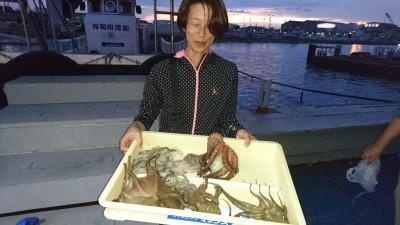<p>旧一文字 タコジグ タコ多数GET</p> <p>タコ釣りもまだまだ熱いですね(^^♪おめでとうございます!</p>