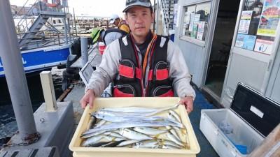 <p>入部様 沖の北 サビキ/ウキ釣り タチウオ/アジGET</p> <p>タチウオも安定していますね(^^♪おめでとうございます!</p>