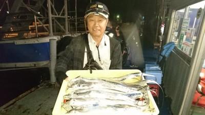 <p>石井様 沖の北 ウキ釣り タチウオ多数GET</p> <p>渋い中多数の釣果ですね(^^♪おめでとうございます!</p>