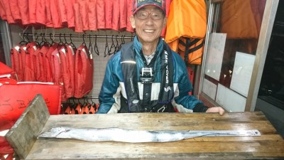 <p>山本様 沖の北 ウキ釣り タチウオ98cmGET</p> <p>タチウオダービー暫定1位です(^^♪おめでとうございます!</p>