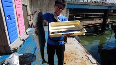 <p>藤原様 沖の北 ノマセ釣り サゴシ/ブリ93cmGET</p> <p>こちらもノマセの釣果です(^^♪おめでとうございます!</p>