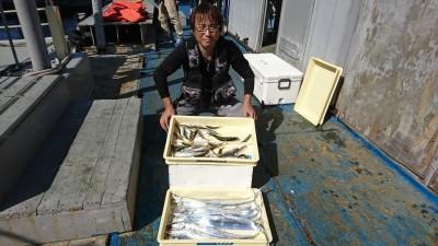 <p>前川様 沖の北 ショアジギでタチウオ&amp;サビキで小アジ♪今日はタチウオのいい群れが入ったようで朝8時くらいまで釣れていたそうです。</p>