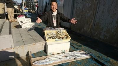 <p>山崎様 沖の北 ルアーでタチウオ14匹!サビキで小アジ大漁♪ タチウオは最大86.5㎝でダービーにエントリーしていただきました。ありがとうございます!</p>
