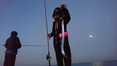 <p>沖の北 6時ごろにタチウオがよく釣れていました!旧一文字でも同じ時間に釣れているのを確認できました。タチウオの調子いいです。</p>