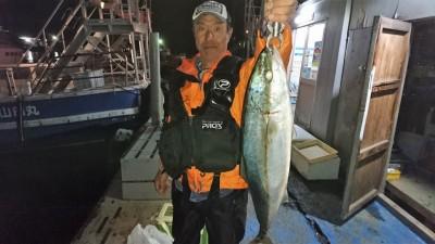 <p>村上様 沖の北 ショアジギ ジグ40g メジロ67cmGET</p> <p>久々のショアジギでのメジロ釣果です(^^♪おめでとうございます!</p>