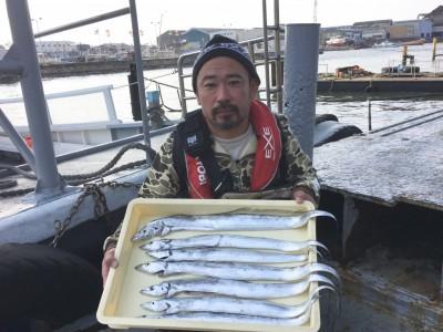 <p>青野様 沖の北 テンヤ/ドジョウ タチウオ7匹</p> <p>朝の時合を捉えて見事な釣果ですね♪ 釣果情報提供にご協力頂き、ありがとうございます。</p>