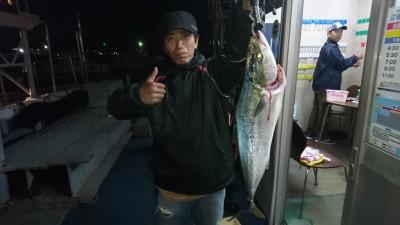 <p>松浦様 沖の北 のませ釣り メジロGET</p> <p>今日も青物釣果ありましたね(^^♪おめでとうございます!</p>