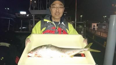 <p>安藤様 沖の北 のませ釣り メジロGET</p> <p>今日は青物少な目の中、お見事です(^^♪</p>