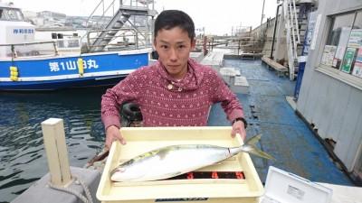 <p>中野様 沖の北 のませ釣り メジロGET</p> <p>今日は青物好調です(^^♪おめでとうございます!</p>