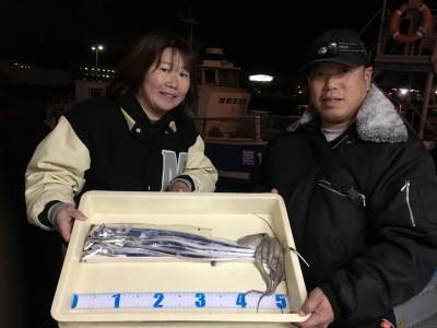 <p>鍬田様 旧一文字(赤灯) テンヤ/タチウオ4匹 タコジグ/タコ1杯</p> <p>強風で釣り辛い中、たいへんお疲れ様でした。釣果情報提供にご協力頂き、ありがとうございます。</p>
