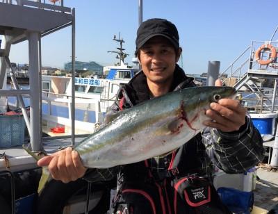<p>村田様 沖の北 のませ釣り メジロ65.0cm</p> <p>ここ最近、青物連続Getされています。8:30頃にHitしたとの事。お見事です! いつも釣果情報提供にご協力頂き、ありがとうございます。</p>