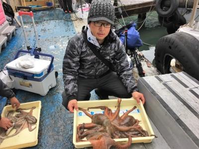 <p>野々下様 沖の北 タコエギ タコ1.72kgまでを3杯</p> <p>こちらも沖の北での釣果です。グッドサイズのタコを揃えられていますよ♪</p>