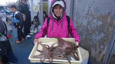 <p>野口様 沖の北 タコエギ タコ~1400gまで3匹GET</p> <p>タコも好調ですね(^^♪おめでとうございます</p>