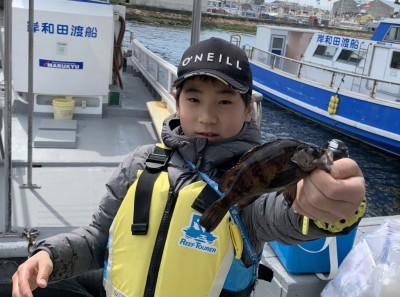 <p>ゆいし君 沖の北 胴突き/シラサエビ メバル</p> <p>厳しい状況の中、貴重な獲物GETですね♪ これから季節が進むにつれ、釣り物も多くなってきますので、また来てくださいね!</p>