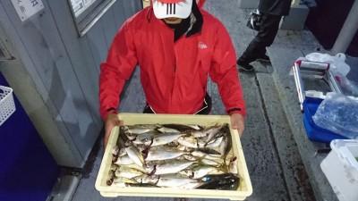 <p>斉藤様 沖の北 サビキ 中アジ/アジGET</p> <p>釣果を見て、初めてご利用のお客様です!17:00からでしたが、十分釣れたようです(^O^)おめでとうございます!</p>