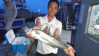 <p>雨村様 沖の北 ショアジギ サゴシ60cmGET</p> <p>久々にサゴシ釣れてますね!おめでとうございます</p>