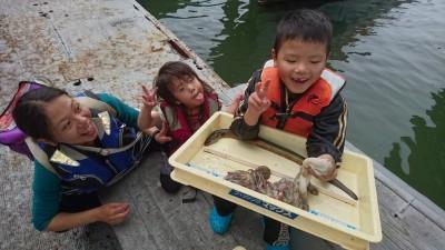 <p>中辻様 旧一文字赤灯 タコエギ タコ/うなぎGET</p> <p>めちゃくちゃ羨ましいウナギ!タコ釣りしていたら水面を泳いでいたそうです(^O^)底潮が悪いのかも・・おめでとうございます</p>