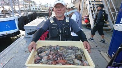 <p>白田様 沖の南 タコジグ タコ20杯GET</p> <p>昼からでも十分釣れますね!おめでとうございます</p>