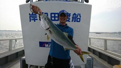 <p>村田様 沖の北 のませ釣り(エレベーター) でメジロ76㎝!さすが青物マスター♪打率高いですね。7時頃にヒットしたそうです。青物まだ釣れますよ~!</p>