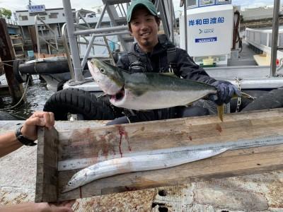 <p>沖の北 メジロ・太刀魚 メジロはジグで6:30頃にHITされています♪HITしたところは駆け上がりのところで手前の方です!最後まで油断は禁物ですよ(^O^)太刀魚は5時頃です♪おめでとうございます(^O^)</p>