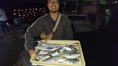 <p>田口様 沖の北 ショアジギ/ツバス テンヤ/タチウオGET</p> <p>青物からのタチウオが安定した釣果がでますね(^O^)おめでとうございます!</p>