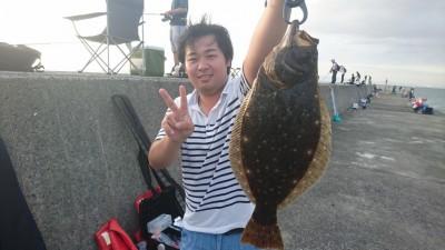 <p>鳥光様 沖の北 ノマセ ヒラメGET</p> <p>17:00の巡回時にヒットしていましたよ(^O^)高級魚おめでとうございます!</p>