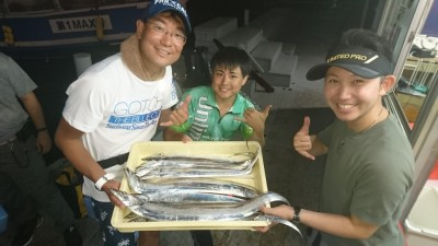 <p>チームナイトホーク様 沖の北 テンヤ タチウオ多数GET</p> <p>良型まじりの良い釣果です!おめでとうございます(^O^)</p>