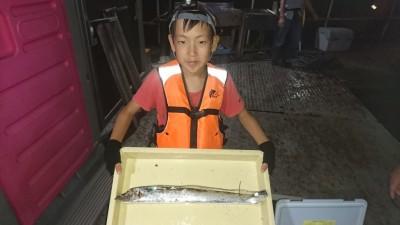 <p>りんたろう君 沖の北 ウキ釣り テンヤ タチウオGET</p> <p>今日は渋いですねーおめでとうございます(^O^)</p>