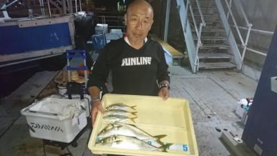 <p>西田様 旧一文字赤灯 サビキ アジ ノマセ ツバスGET</p> <p>ツバスは18:00頃釣れたそうです(^O^)おめでとうございます</p>