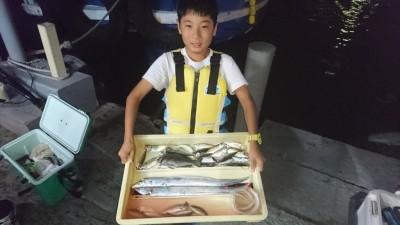 <p>ゆいし君 沖の北 サビキ アジ・グレ ウキ釣り タチウオGET</p> <p>タチウオはこれから良くなると思いますよ!おめでとうございます</p>