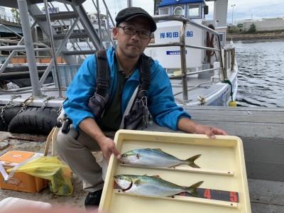 <p>カイ様 沖の北 のませ釣りでツバス2匹ゲット♪ツバスの数が減ってきましたがのませ釣りはしっかり釣果が出てますね♪おめでとうございます(^O^)</p>