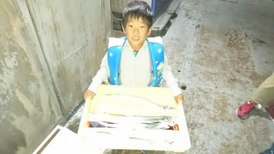 <p>ゆいと君 沖の北 ウキ釣り タチウオGET</p> <p>また釣りに来てくださいね(^O^)おめでとうございます</p>