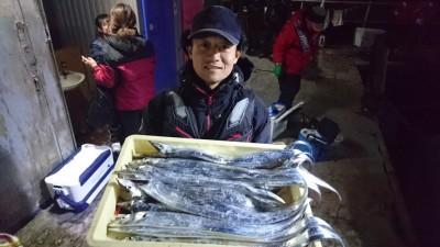 <p>松永様 沖の北 ワインド タチウオ多数GET</p> <p>タチウオ釣れすぎな位釣れてます!こんな年もあるんですね(^_^;)おめでとうございます!</p>