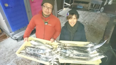 <p>竹田様 沖の北 ノマセでタチウオ多数 ハマチGET</p> <p>アジのノマセでタチウオ好釣果出ています(^O^)孫針のついた仕掛けが船長オススメですよ!おめでとうございます</p>