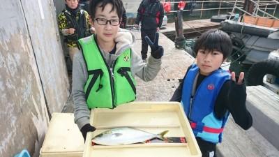 <p>りゅう君 かいと君 沖の北 ノマセ ハマチGET</p> <p>今日もハマチサイズは釣れてますね!おめでとうございます(^O^)</p>