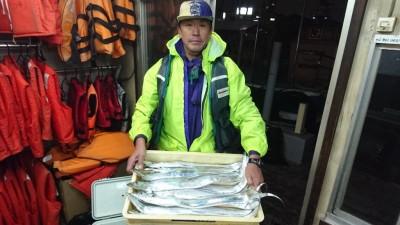 <p>山崎様 沖の北 ルアー タチウオGET</p> <p>今日も昼から良く釣れたようです(^O^)おめでとうございます!</p>